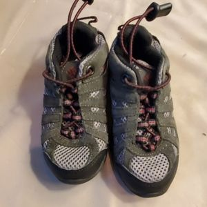 Columbia hiking shoes toddler 9